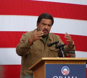 New Mexico Gov. Bill Richardson stumps for Barack Obama during the Pueblo Chile and Frijoles Festival on Saturday (Photo by Hal Walter).
